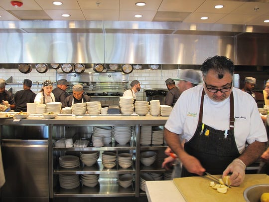 Dr Andrew Weil Opens True Food Kitchen In Naples