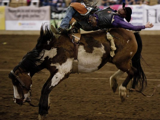 -nas-rodeo01.jpg_20130517.jpg