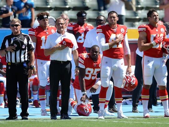 Sep 24, 2017; Carson, CA, USA; Kansas City Chiefs defensive
