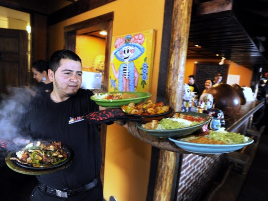 Las Palapas turns out well-prepared Mexican dishes