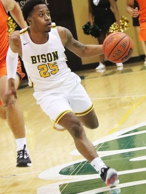 Rashad Lewis in action during the 2019-20 season.