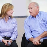 The UAW will meet Friday with leaders of locals at General Motors plants to update them on the status of a four-year labor agreement.