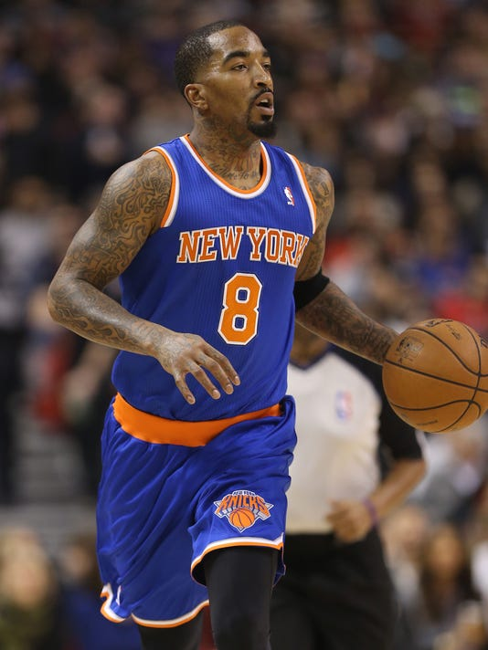 1-8-jr-smith-shoelaces-knicks
