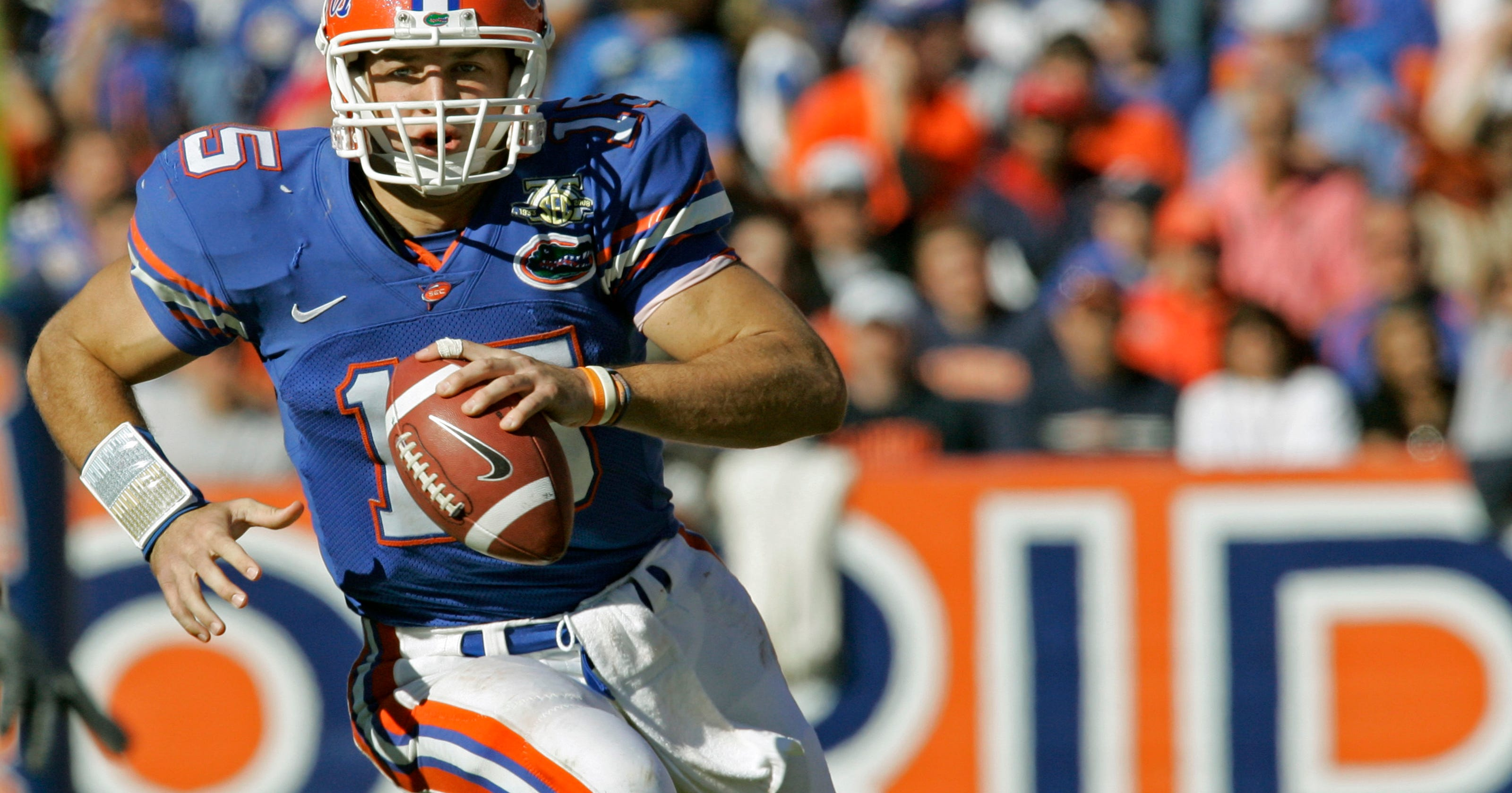super popular 778a3 df800 Another ring for Tebow: QB gets Florida's top football honor