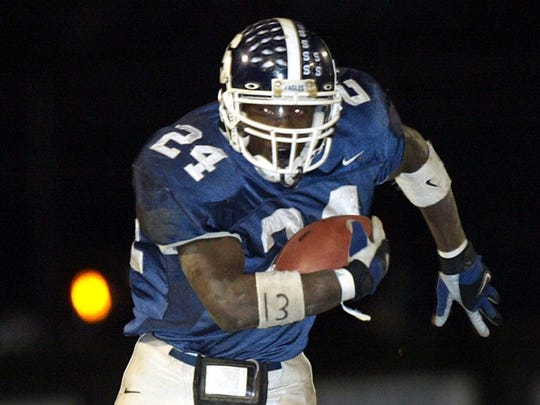 Middletown South's Knowshon Moreno finds the open field in a 2003 game against Wall.