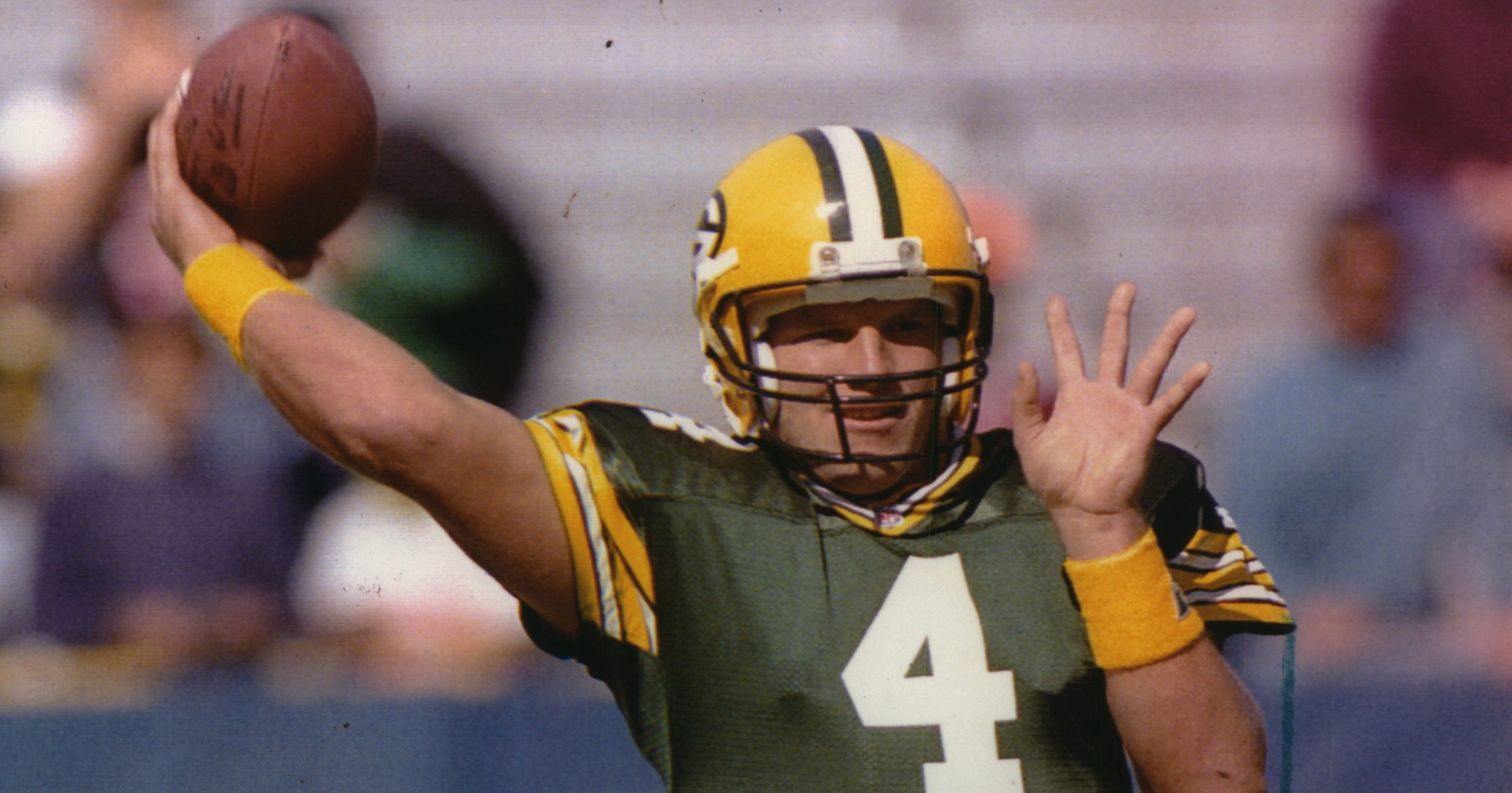 36a8bb3c9 Old School Packers: A look back at Brett Favre's first training camp in GB;  trade to Jets