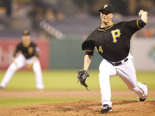 Tony Watson with the Pirates