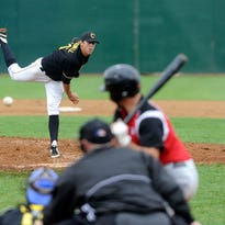Shawn Blackwell pitches Sunday against the Sioux City Explorers in the home opener for the Canaries at Sioux Falls Stadium. The Canaries failed to generate any offense early and lost 5-4.
