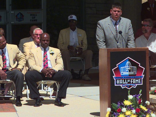 CANTON Left to right are Pro Football Hall of Fame