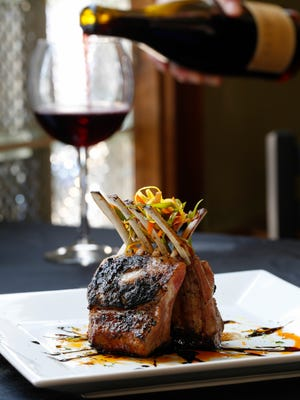 The owners of Nick's Chophouse aim to emulate big-name steakhouses in New York City.