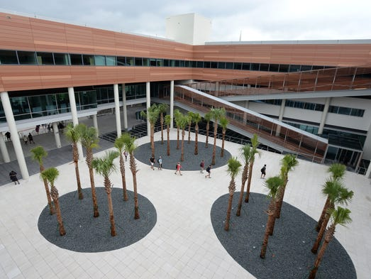 University of South Carolina opens new law school building ...