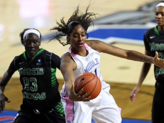 MTSU's Cheyenne Parker pulls in a pass from a teammate