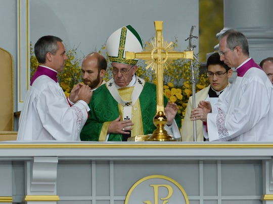 Pope Francis in his homily encouraged those gathered to have courage to follow their faith.