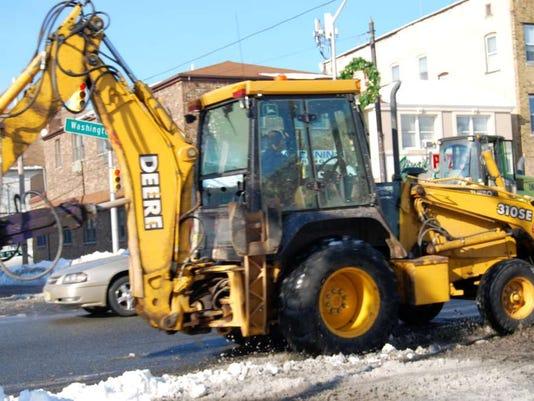 012815-bt-snowcountyrd.jpg
