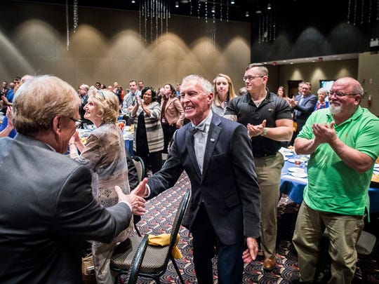 Dale Basham receives a VIVA lifetime achievement award at the Horizon Convention Center in this Star Press file photo.