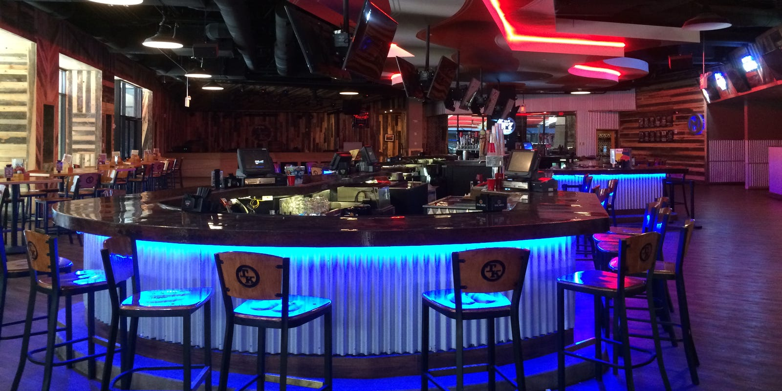 Toby Keith's I Love This Bar and Grill closings, lawsuits