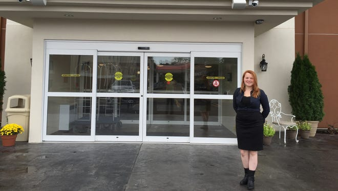 Anna Summers is the general manager of Candlewood Suites, which accommodates many guests on government-related business.