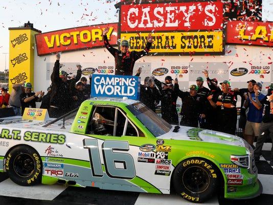 Nascar Truck Series Iowas Brett Moffitt Reigns At Iowa Speedway