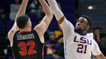 Road Sweet Road! LSU returns to 'away' comforts at Vanderbilt after 3 straight home losses