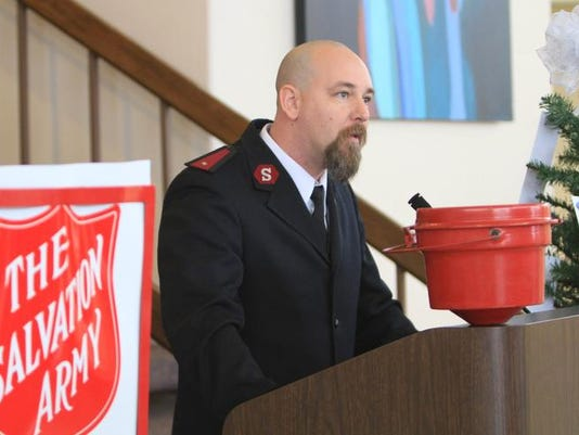 MON SALVATION ARMY 112604.jpg