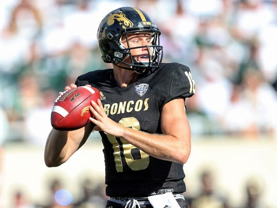 Western Michigan Broncos quarterback Jon Wassink (16).