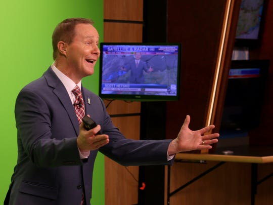 Scott Hetsko returned to the air Sunday evening at WROC-TV to broadcast the News 8 weather after he received a heart transplant in September.