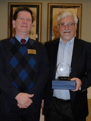 (L to R) Kevin Parker, executive eirector, The Woodlands at Furman; Alan Shaw, award recipient