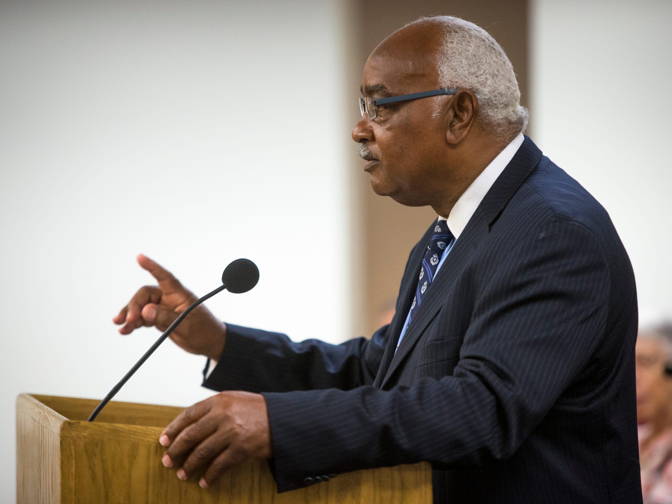 Rev. Oscar Tillman speaks in opposition at a legislative