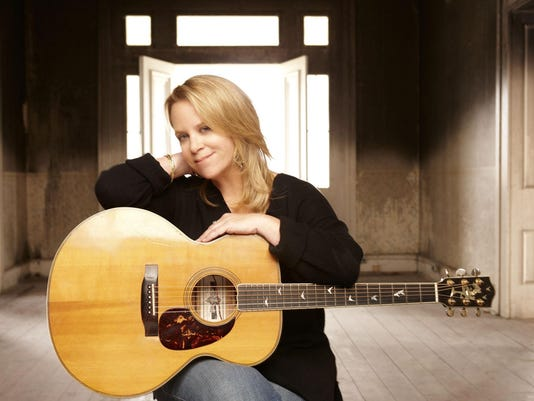 mary_chapin_carpenter photo russ harrington
