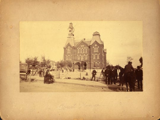 Courthouse, circa1886 before the fire.