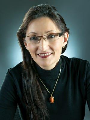 Dr. Suzanne Lentzsch
