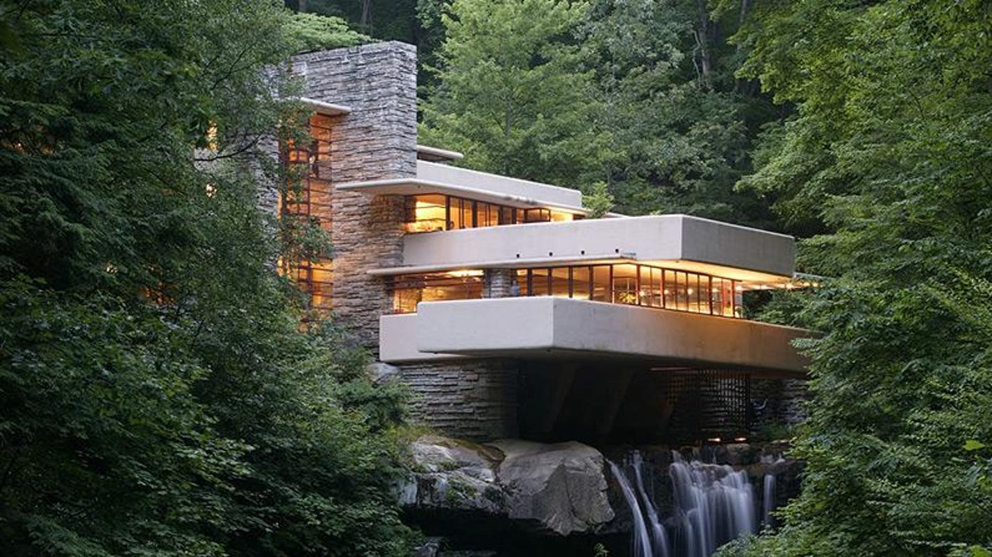 Flood topples statue at iconic fallingwater house for Wright la casa sulla cascata