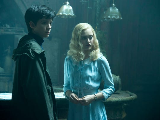 """Asa Butterfield and Ella Purnell star in """"Miss Peregrine's"""