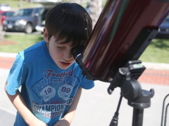 Tallahassee Astronomical Society offers opportunities for residents to learn about astronomy.
