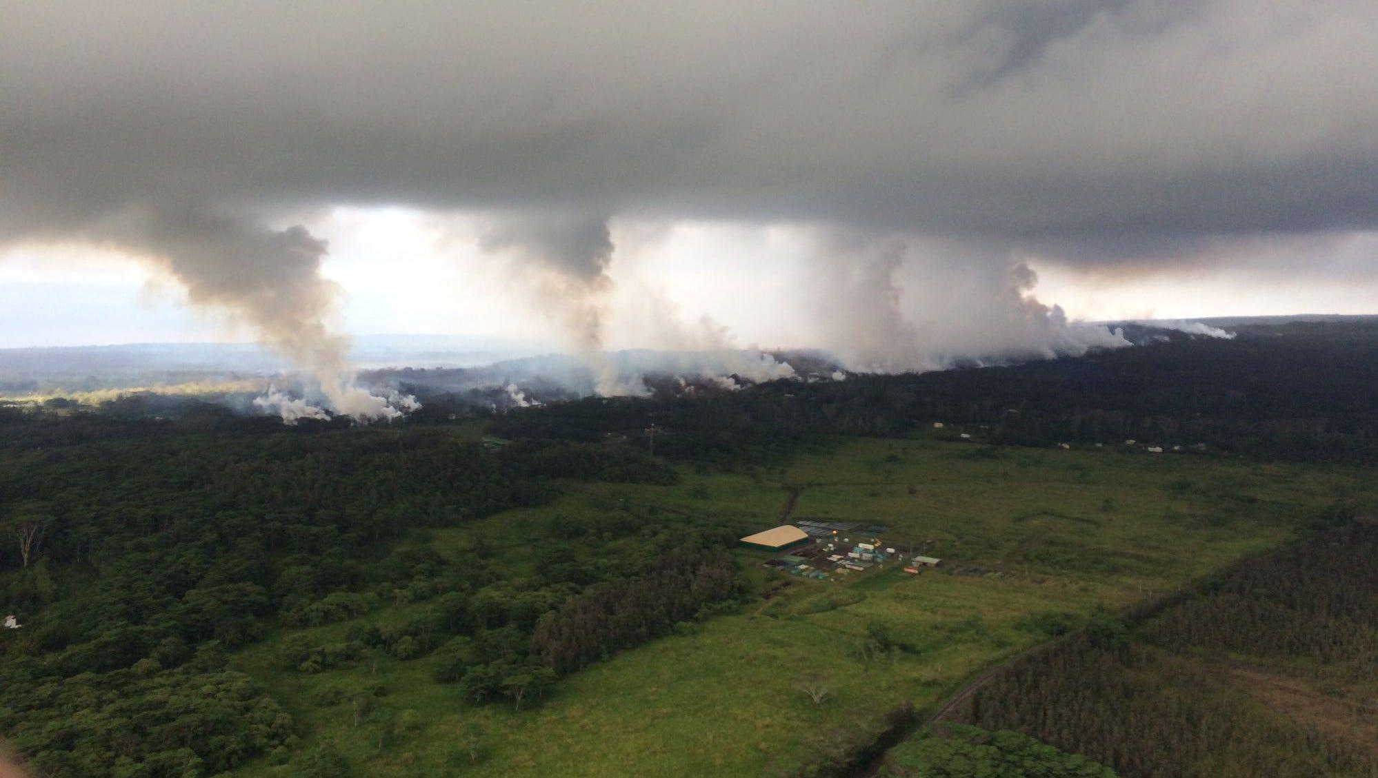 Hawaii Volcano Eruption Spews Plume 30 000 Feet Up