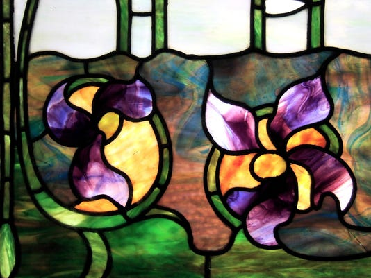 57-stained-glass-1194986-1279x852.jpg