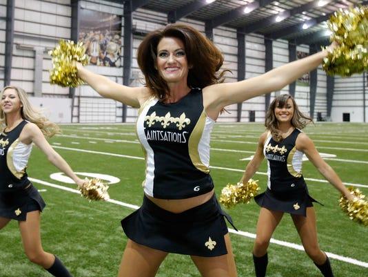 NFL-40-Year-Old Cheerleader Football