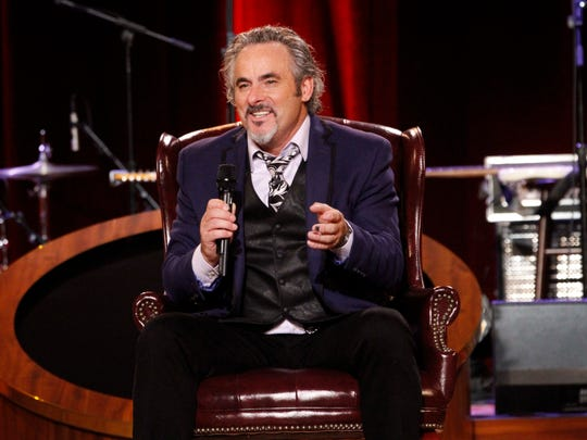 David Feherty speaks to the audience at his live show during the week of Super Bowl XLIX in 2015 in Arizona. Feherty will be peforming at the Bijou Theatre in Knoxville on Nov. 16.