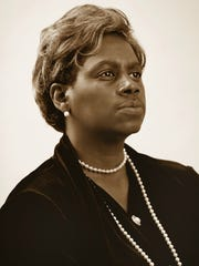 Ersula Knox-Odom as Mary McLeod Bethune.