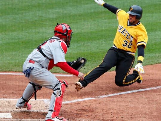 Cardinals_Pirates_Baseball_41325.jpg
