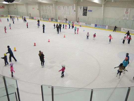 The Learn to Skate Class at the Novi Ice Arena filled