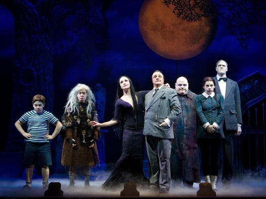 AP THEATER REVIEW ADDAMS FAMILY A ENT USA IL