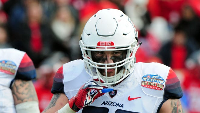 Dec 19, 2015: Arizona Wildcats linebacker Scooby Wright III (33) reacts during the first half against the New Mexico Lobos in the 2015 New Mexico Bowl at University Stadium.