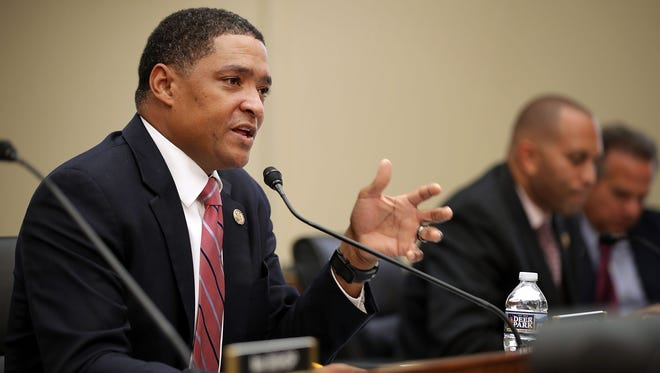 Rep. Cedric Richmond (D-La.) (L) questions Internal Revenue Service Commissioner John Koskinen during a hearing of the House Judiciary Committee September 21, 2016 in Washington, D.C.