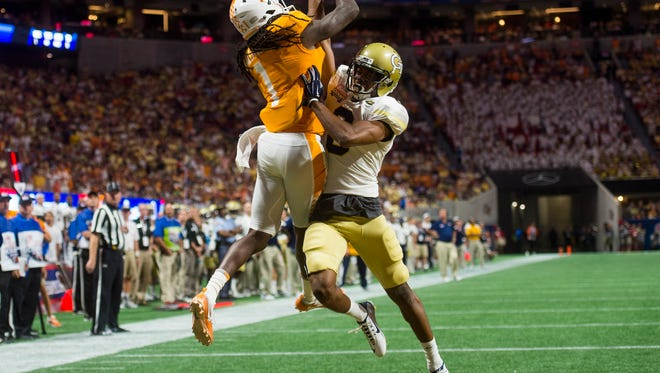 Tennessee wide receiver Marquez Callaway (1) makes a touchdown catch against Georgia Tech last season.