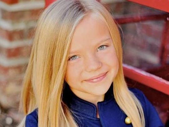Meg Crosbie will portray Margo's younger sister in