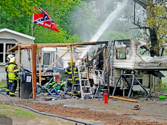 636645585640709551-AP-Fatal-Camper-Fire-MICOL50.jpg