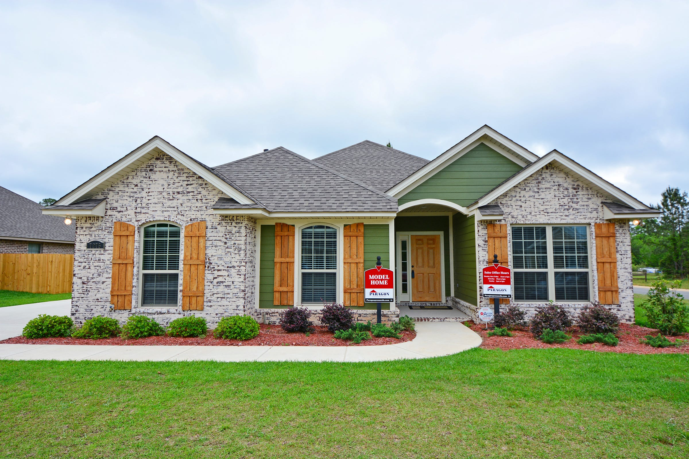 Home building trends gated communities and outdoor living for New home construction trends