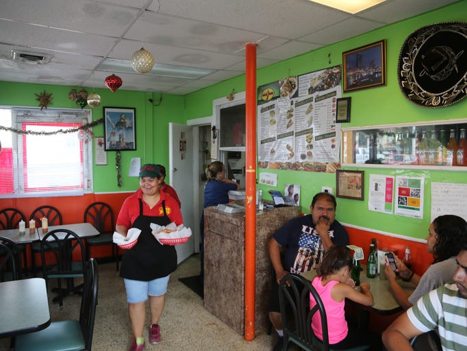 The tiny indoor dining room at Taqueria San Jose, a