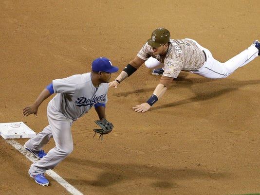 Dodgers Padres Baseball (2)